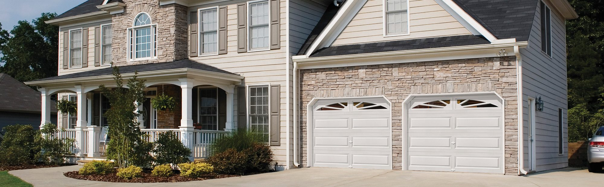 GARAGE DOORS IN GREATER SEATTLE AREA