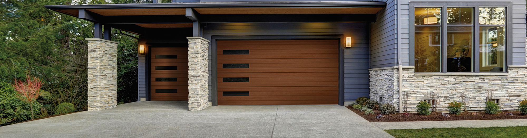 If Youu0027re Looking For A Beautiful Faux Wood Garage Door That Complements  Your Mid Century Or Modern Home Style, Then Youu0027ll Love The Canyon Ridge®  Modern ...